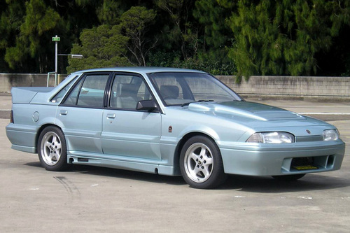 Product picture HOLDEN COMMODORE VL 1986-1988 Workshop Repair Service Manual